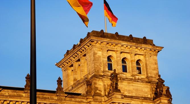 Ihr selbstgerechten Deutschen!