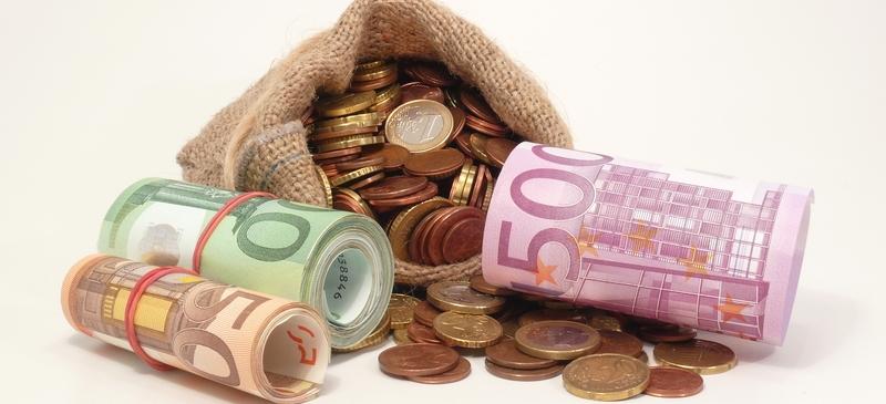 France unveils tough austerity plan