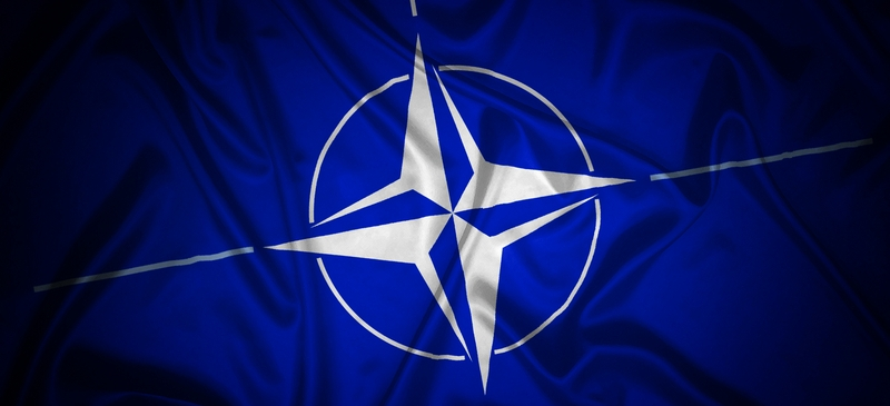NATO chief backs defence deal between Britain and France