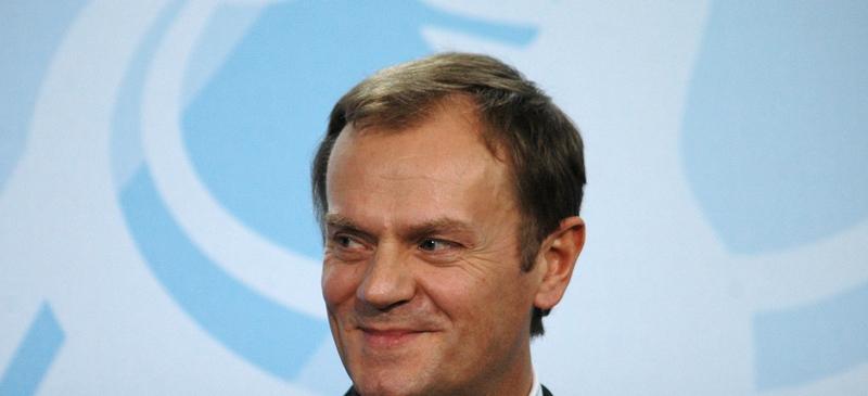 """Tusk """"zdecydowanym faworytem"""" do zostania szefem KE spotlight image"""
