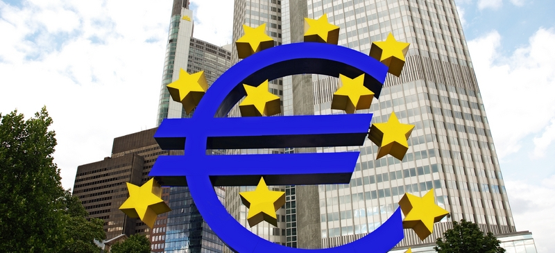 ECB cuts rates to 0.25% to stave off deflation risk