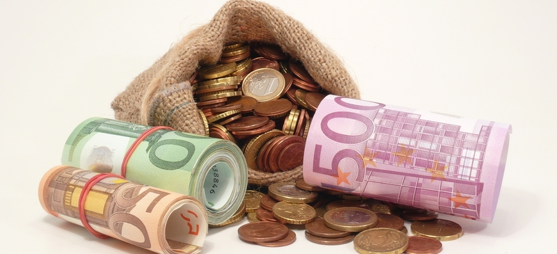 Europe warns of harder economic times to come spotlight image