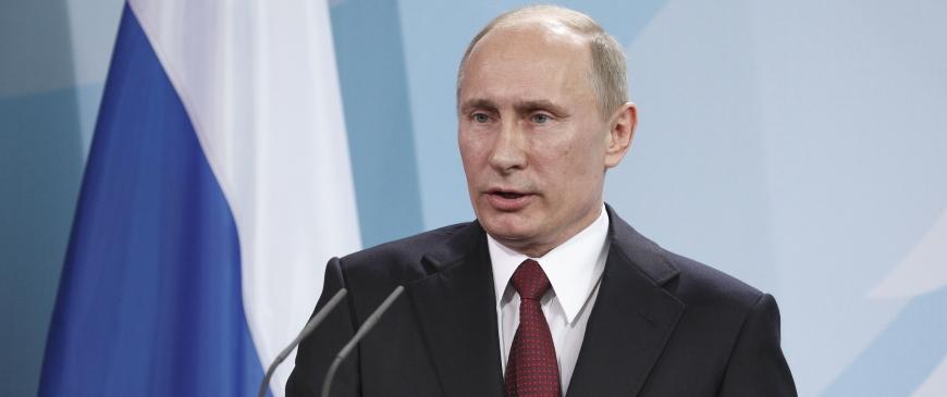 Putin slipper for nye sanktioner trods verbal lussing fra Merkel