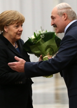 The slow dance between Minsk and Brussels thumbnail